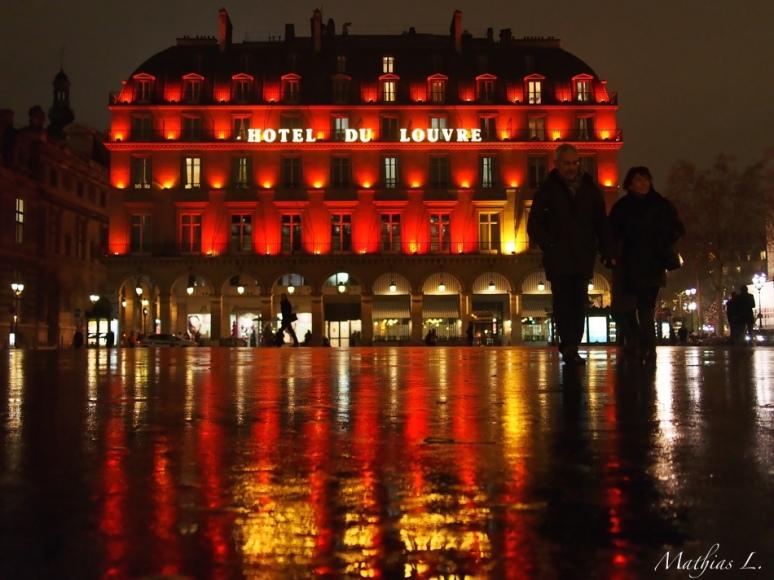 Hôtel du Louvre ... la nuit