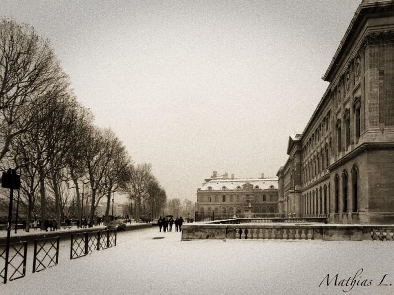 Neige Paris Louvre