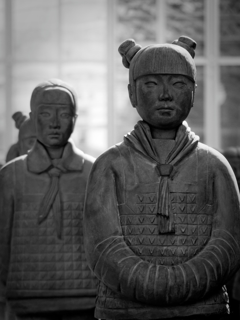 Terracotta Daughters (Prune Nourry - 104)